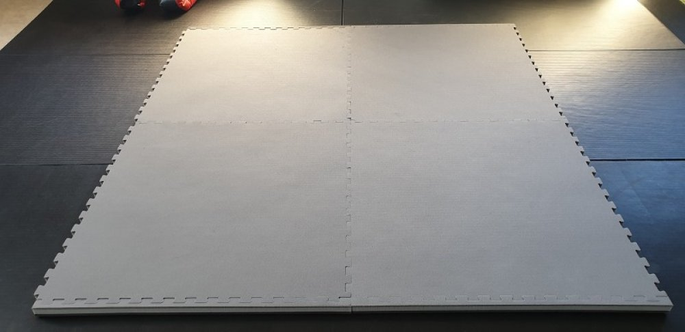 Hometraining Mats Set of 4 x 100*100*4cm